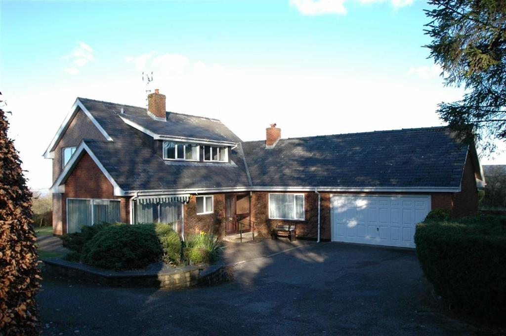 4 Bedrooms Detached House for sale in Gorsedd, Holywell
