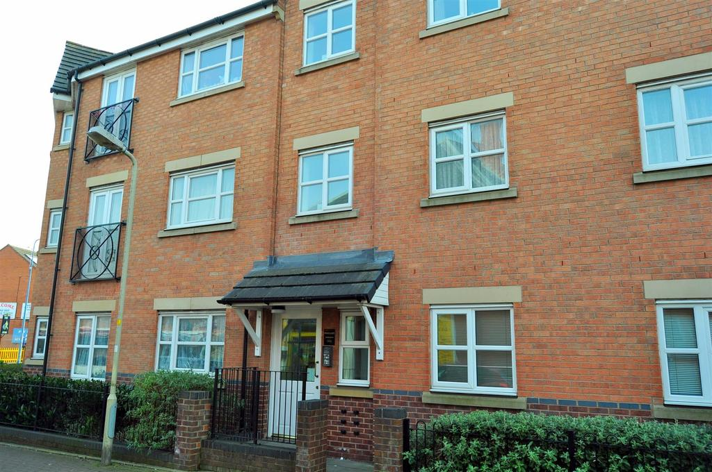 2 Bedrooms Apartment Flat for sale in Hingley Court, Hill Passage, Cradley Heath