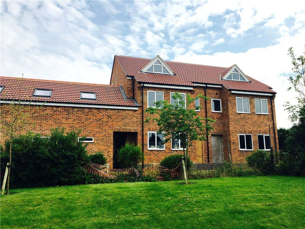 4 Bedrooms Semi Detached House for sale in Old Bath Road, Cheltenham, Gloucestershire, GL53