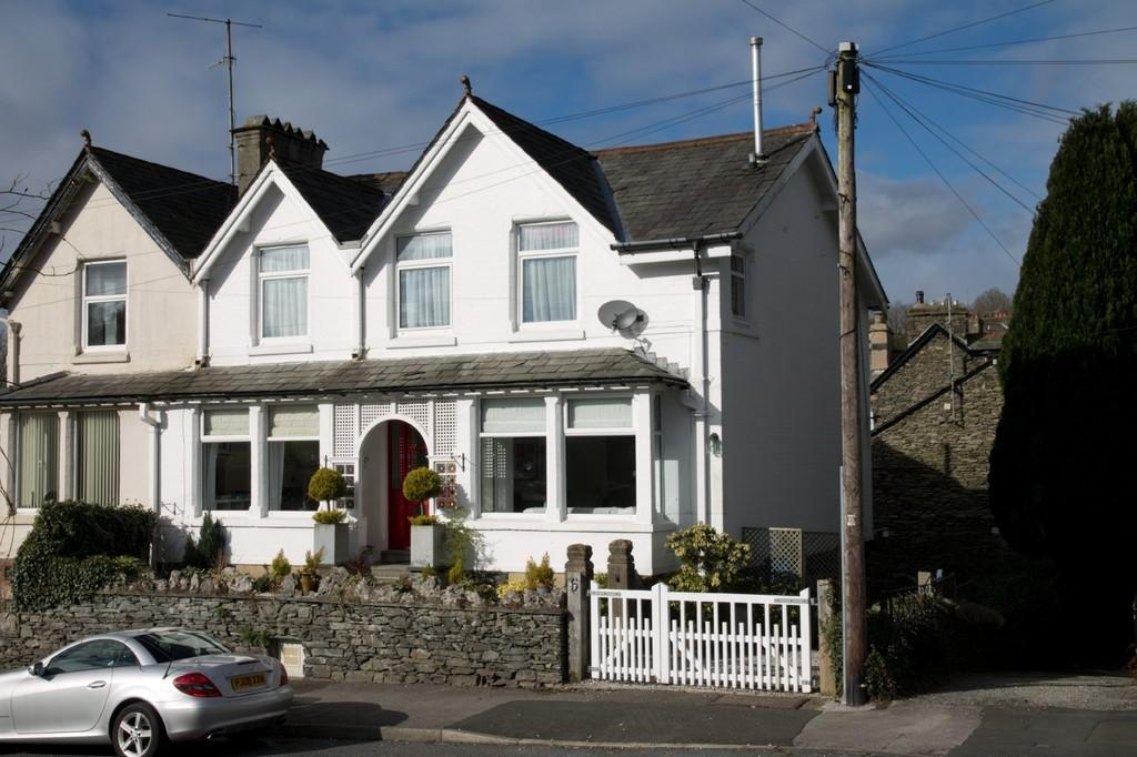 4 Bedrooms Semi Detached House for sale in Redruth, 6 Thornbarrow Road, Windermere, Cumbria, LA23 2EW