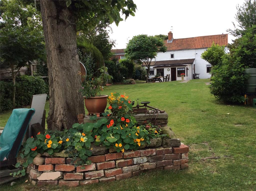 3 Bedrooms Cottage House for sale in Thornton Road, South Kelsey, Market Rasen, Lincolnshire, LN7