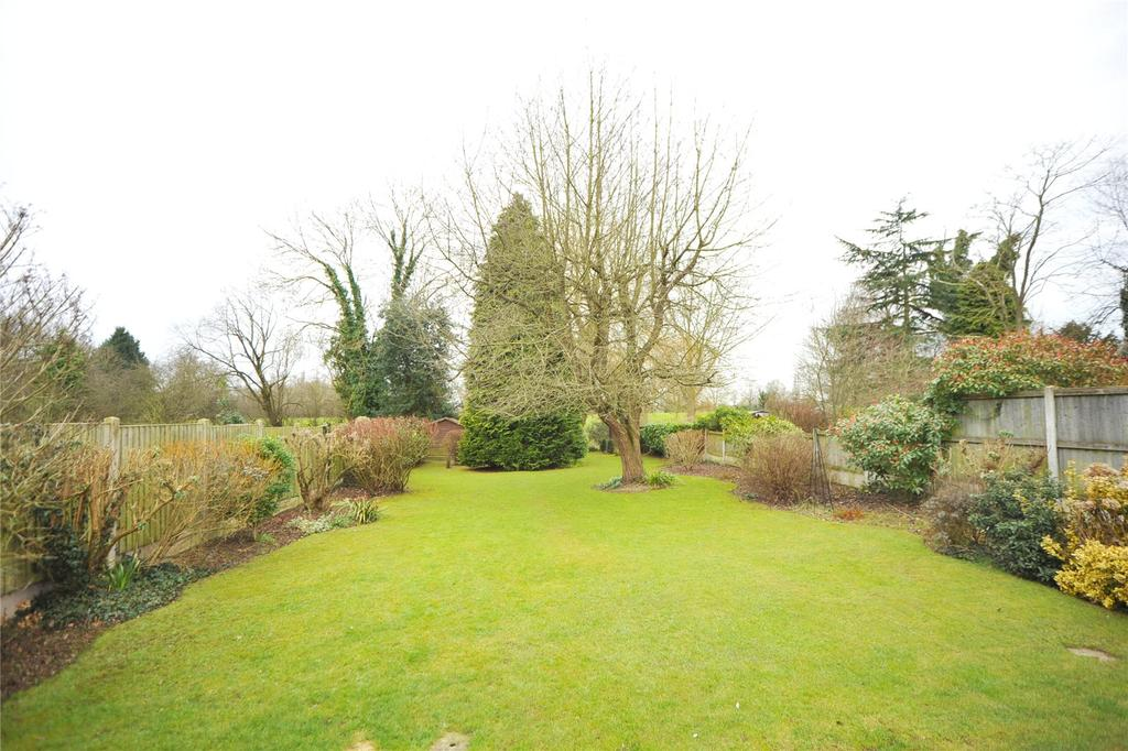 3 Bedrooms Detached Bungalow for sale in Maldon Road, Margaretting, Ingatestone, Essex, CM4