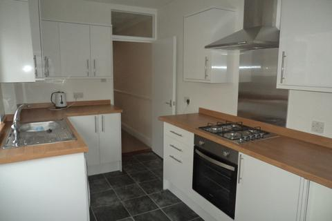 4 bedroom terraced house to rent - Barnes Road, Fratton
