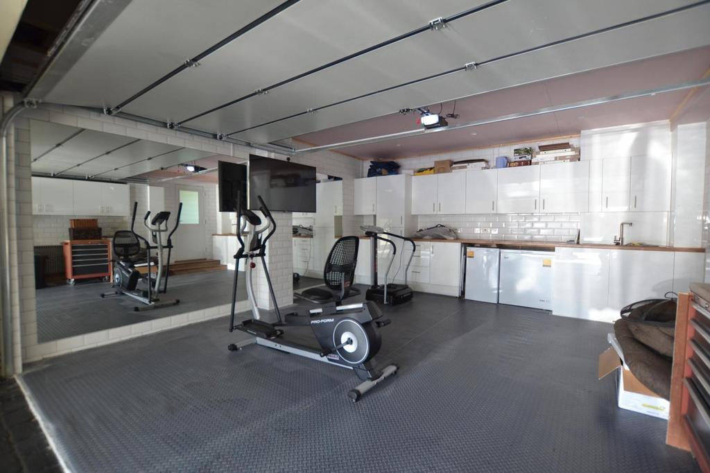 Gym/ Garage