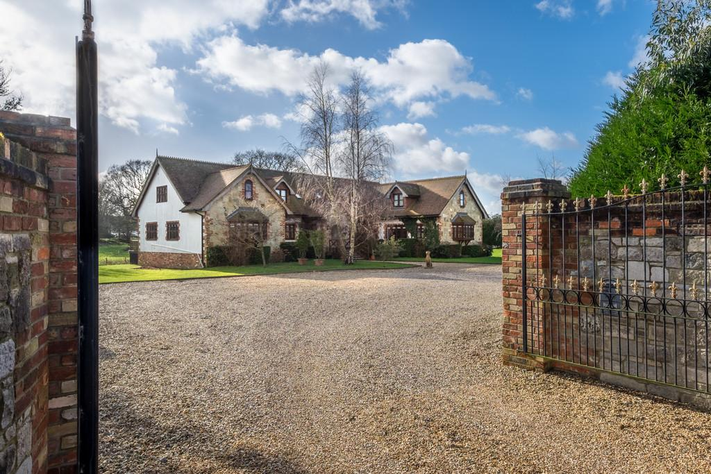6 Bedrooms Detached House for sale in Ryde, Isle of Wight