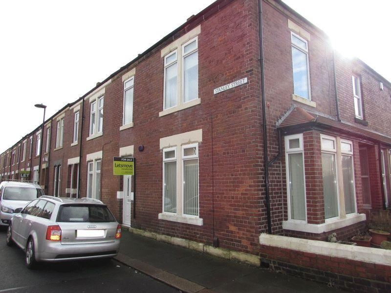 3 Bedrooms End Of Terrace House for sale in Stanley Street, Wallsend - Three Bedroom End-Of-Terrace House