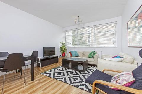 3 bedroom flat to rent - Tower Court, Mackennal Street, London, NW8