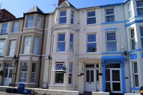 6 bedroom terraced house for sale - Embankment Road, Pwllheli