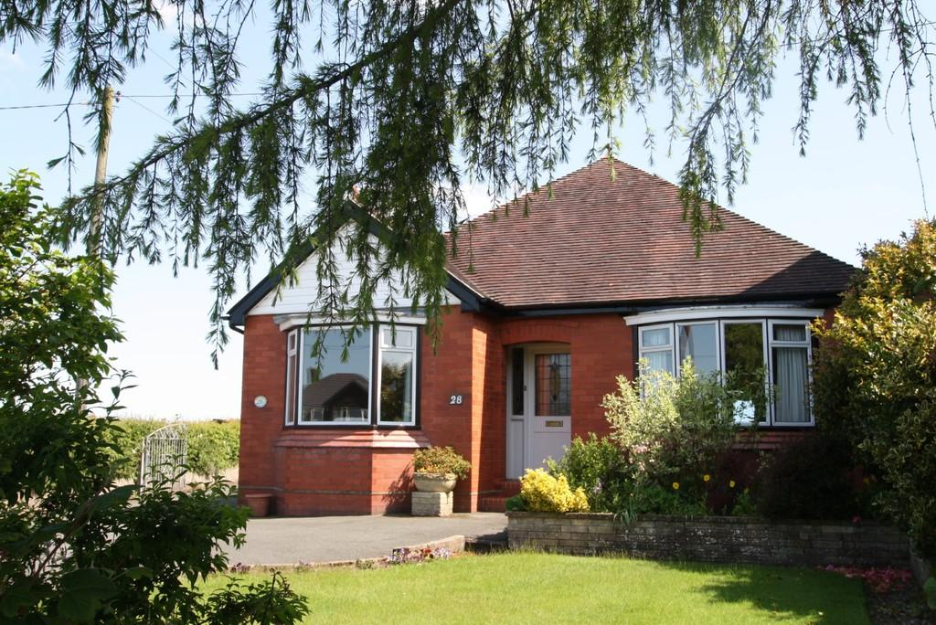 3 Bedrooms Detached Bungalow for sale in Briar Lea, Winsford, CW7 2NL