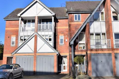 3 bedroom mews to rent - Knightsbridge Mews, Didsbury