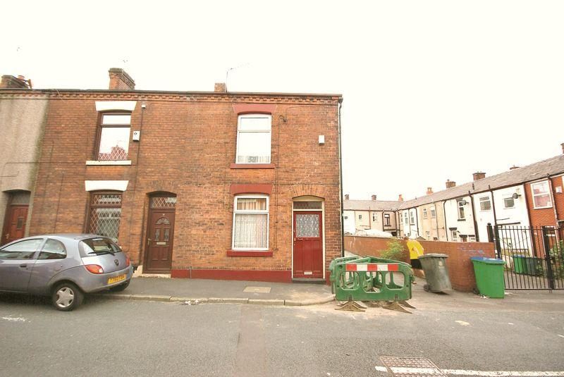 2 Bedrooms End Of Terrace House for sale in Promenade Street, Heywood