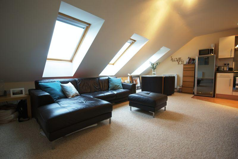 2 Bedrooms Apartment Flat for sale in Pine Street, Heywood