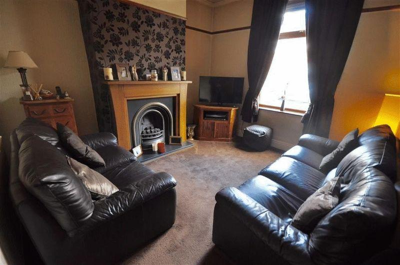 2 Bedrooms Terraced House for sale in Bolton Road, Rochdale