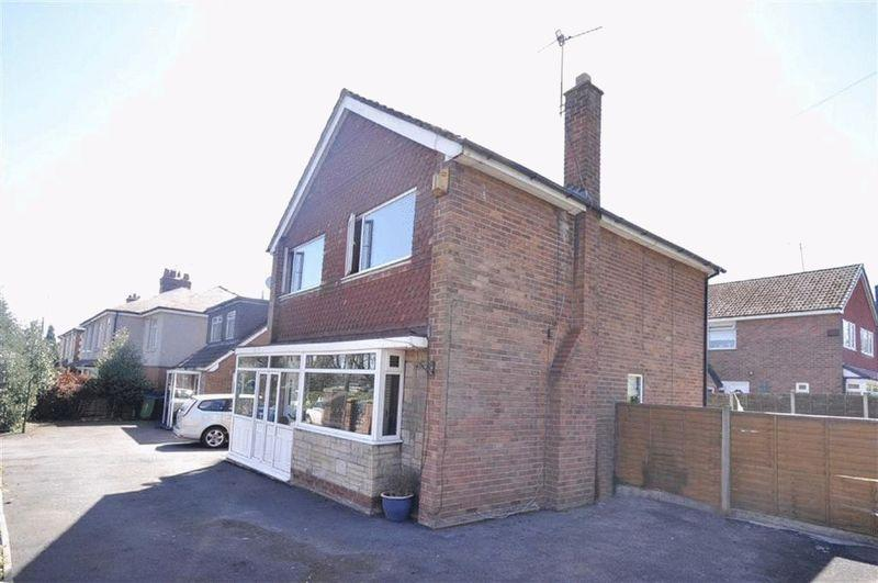 4 Bedrooms Detached House for sale in Coronation Avenue, Heywood