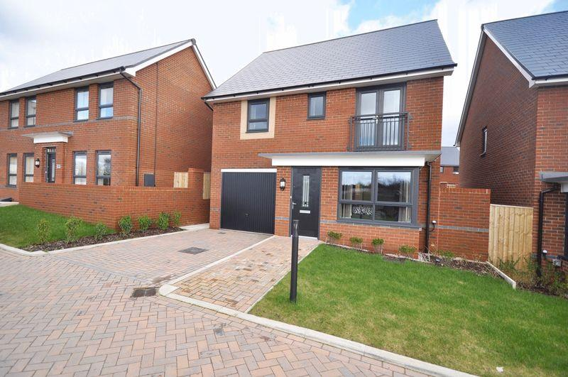 4 Bedrooms Detached House for sale in Castleton Hamlett, Castleton, Rochdale