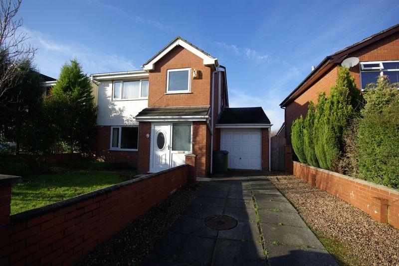 4 Bedrooms Detached House for sale in Gloucester Avenue, Heywood