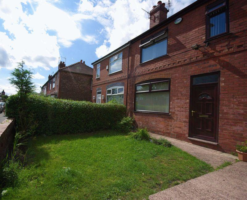 3 Bedrooms Semi Detached House for sale in Oldham Road, Manchester