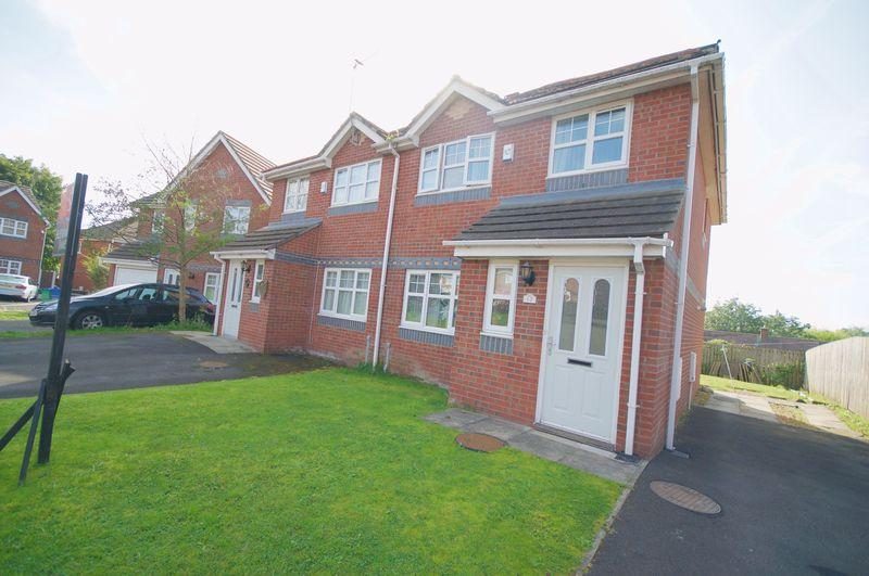 3 Bedrooms Semi Detached House for sale in Mill Nook, Rochdale