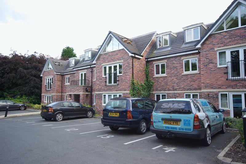 2 Bedrooms Apartment Flat for sale in Clay Lane, Rochdale