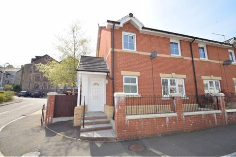 3 bedroom semi-detached house for sale - Michael Court, Pontypool