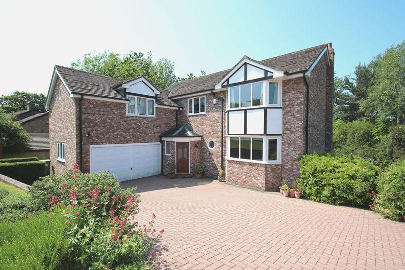 5 Bedrooms Detached House for sale in Quarry Rise, Romiley