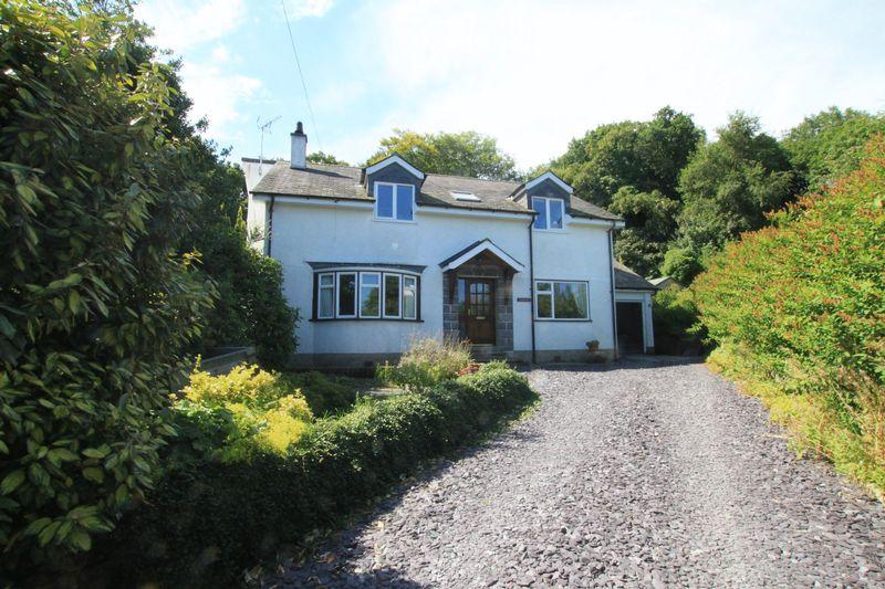 4 Bedrooms Detached House for sale in Glasinfryn, Bangor