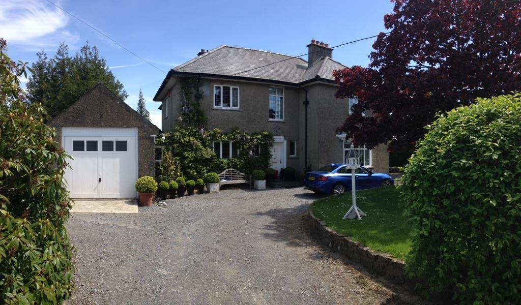 5 Bedrooms Detached House for sale in St. Clears, Carmarthen