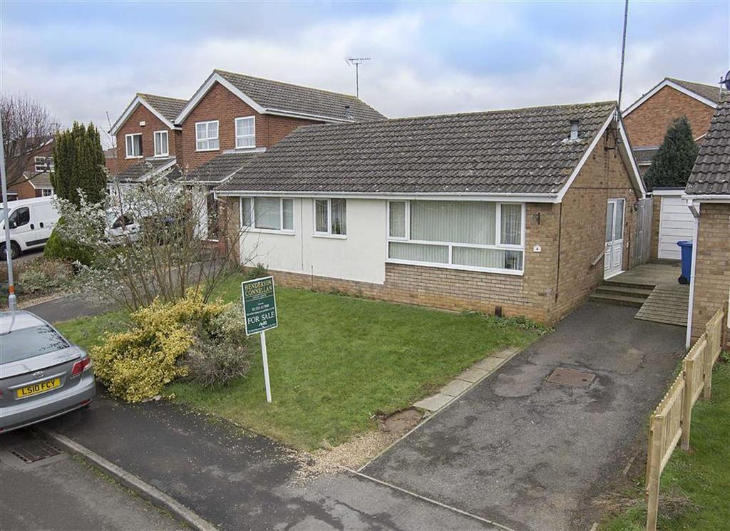 2 Bedrooms Detached Bungalow for sale in Clive Close, Kettering