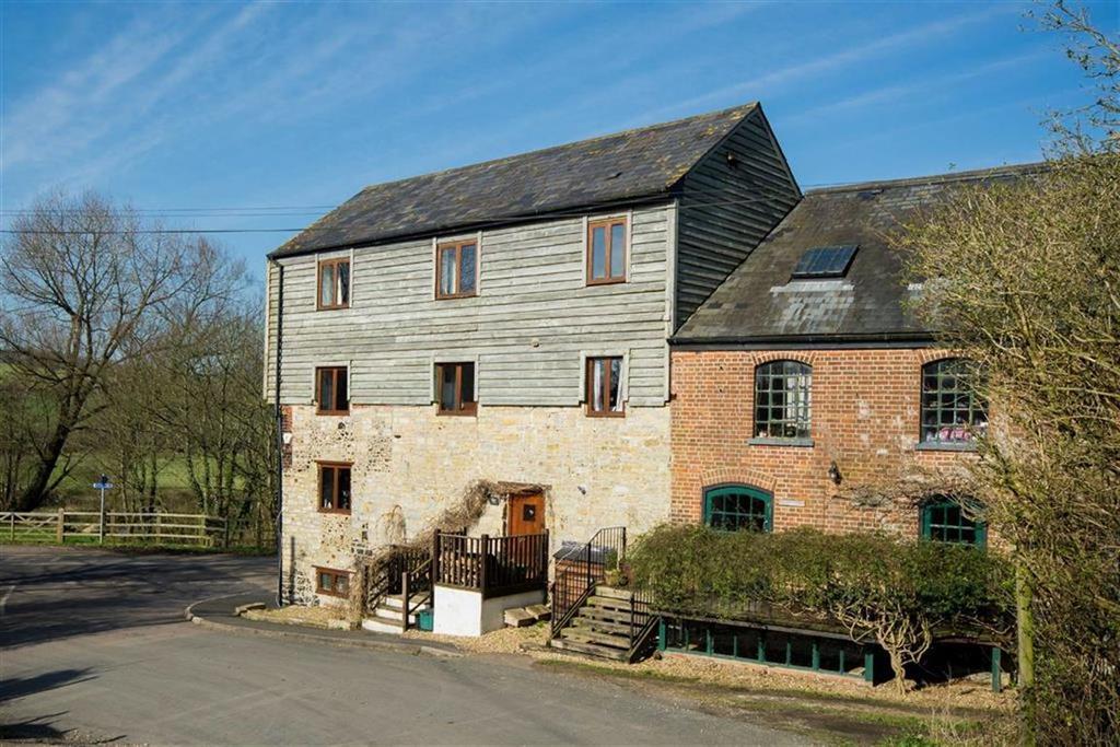 5 Bedrooms Semi Detached House for sale in Lodge Lane, Weycroft, Axminster, Devon, EX13