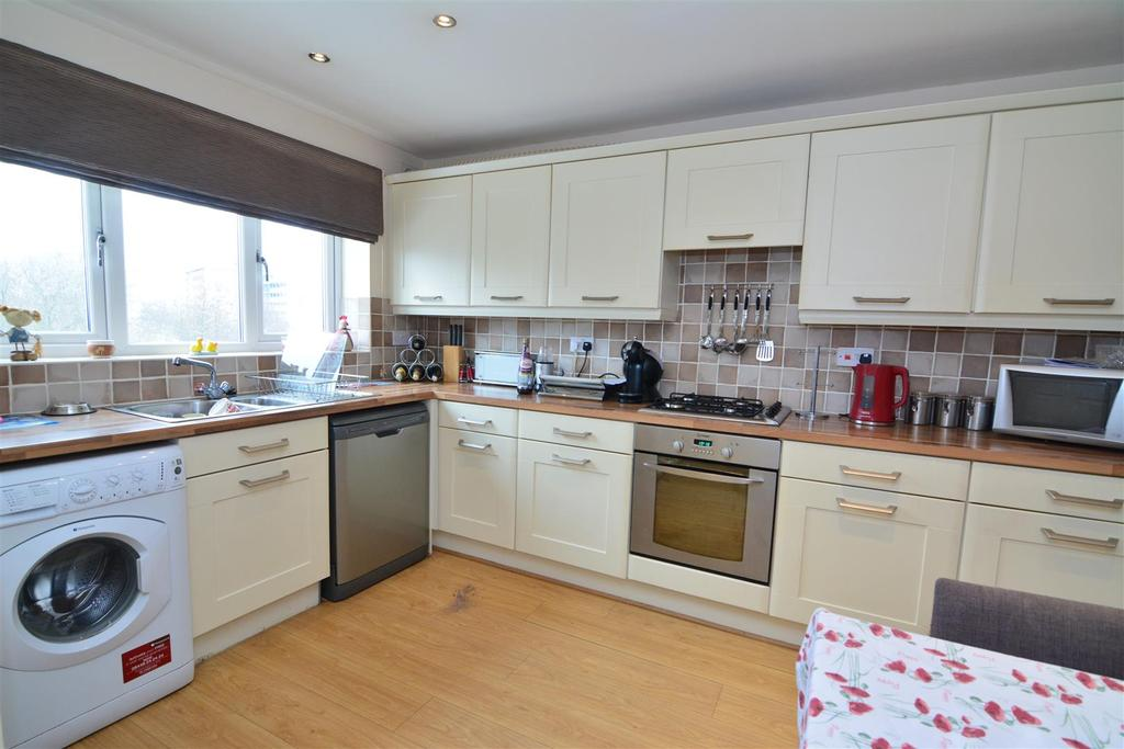 4 Bedrooms Semi Detached House for sale in Parkland Drive, Idle