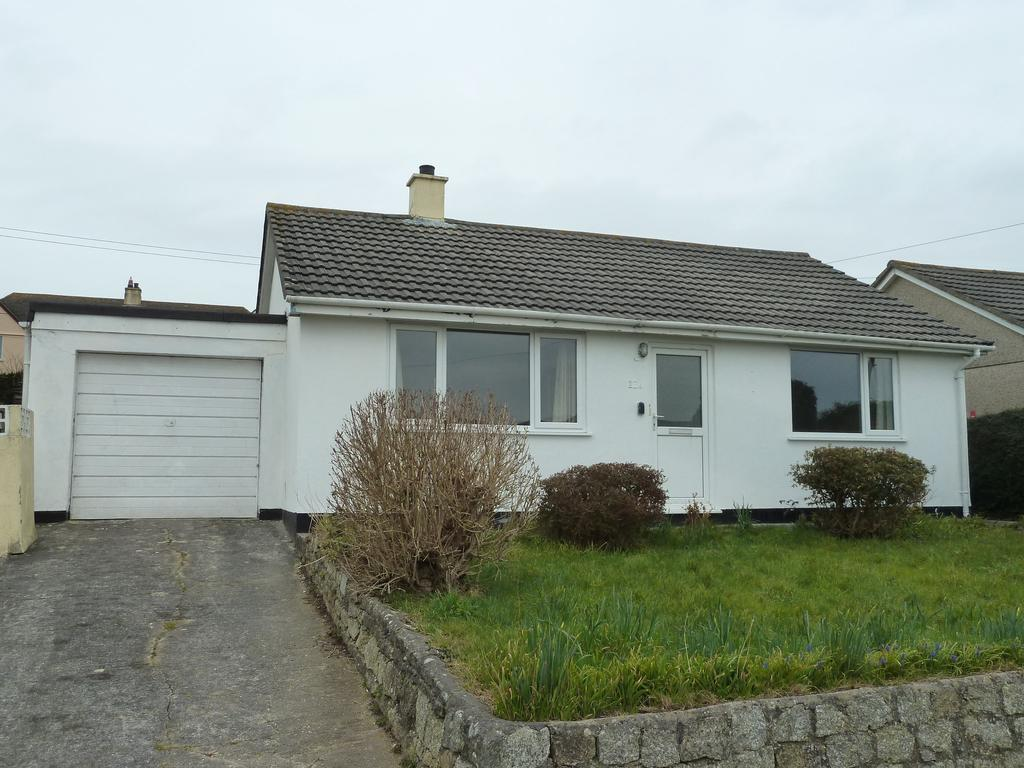 2 Bedrooms Detached Bungalow for rent in Symons Close, Blackwater, Truro, TR4
