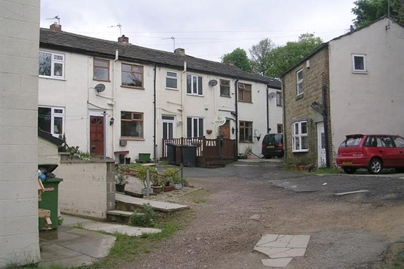 2 Bedrooms Terraced House for rent in Dawson Hill Yard, Horbury, Wakefield
