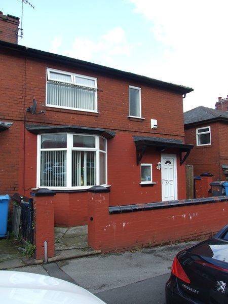 3 Bedrooms Semi Detached House for sale in Edge Lane Road, Higginshaw, Oldham OL1