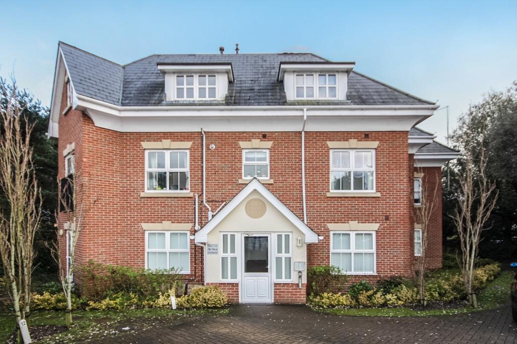 2 Bedrooms Flat for sale in Talbot Road, Bournemouth, Dorset, BH9
