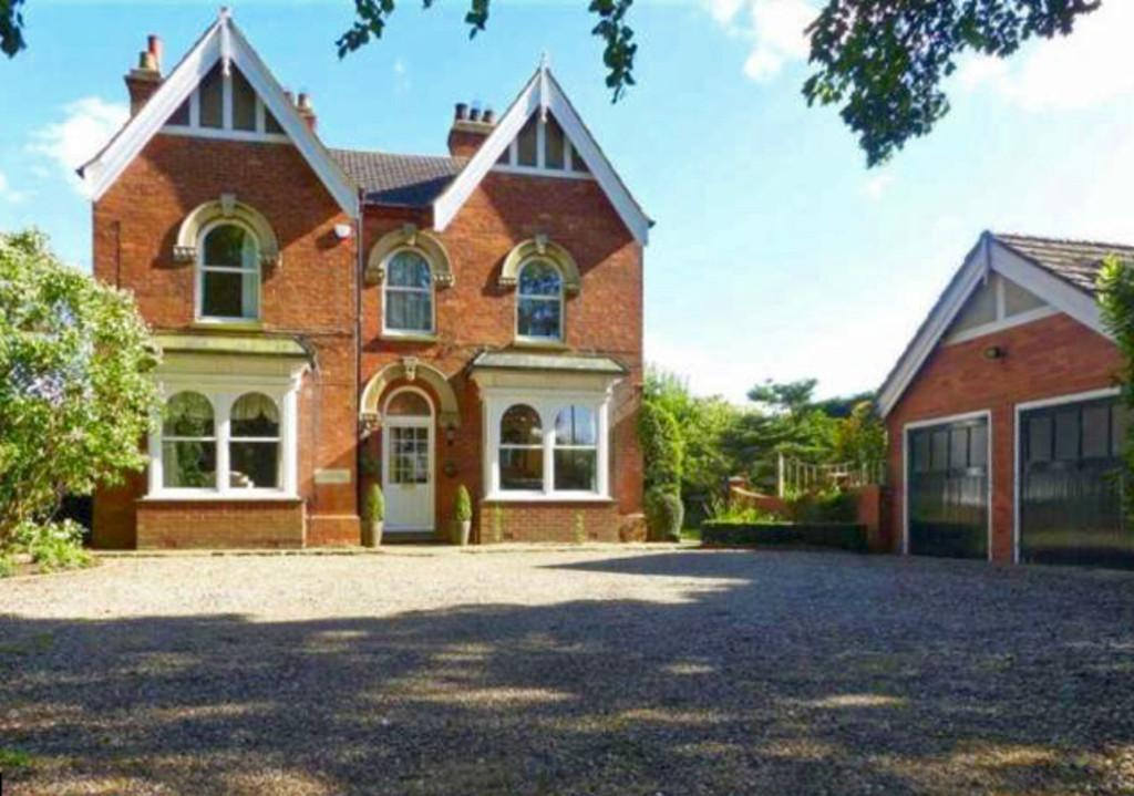 5 Bedrooms Detached House for sale in North Thoresby, Station Road