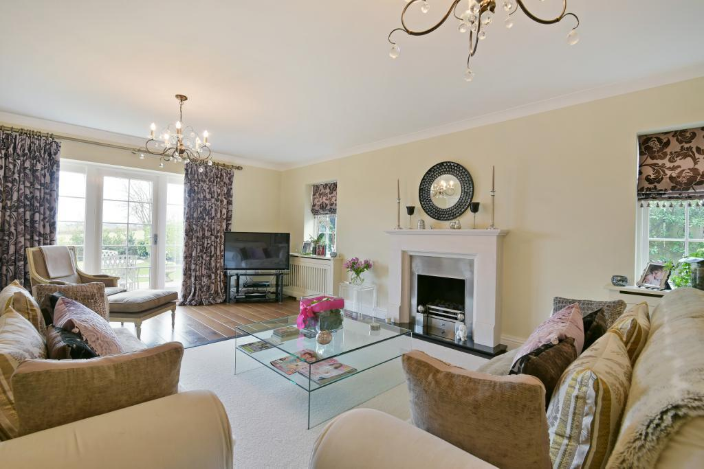 4 Bedrooms Detached House for sale in Sicklinghall Road, Wetherby, West Yorkshire