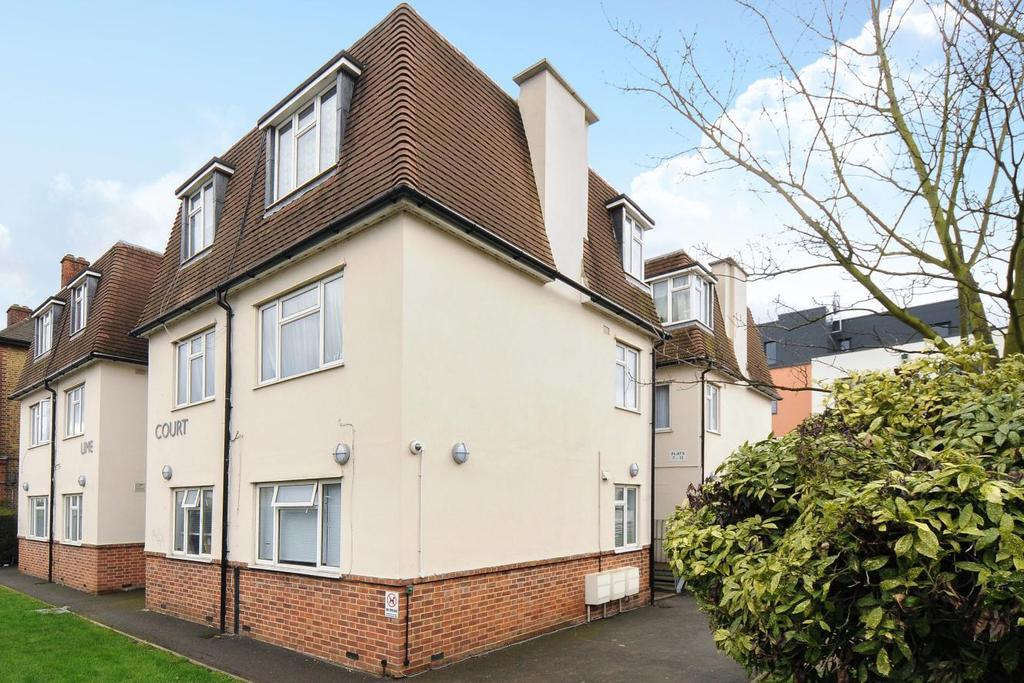 2 Bedrooms Flat for sale in Cambridge Road, Kingston upon Thames, KT1