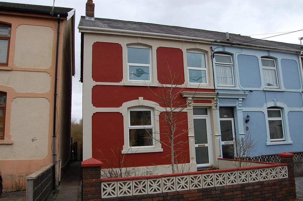 4 Bedrooms Semi Detached House for sale in Tirycoed Road, Glanamman, Ammanford
