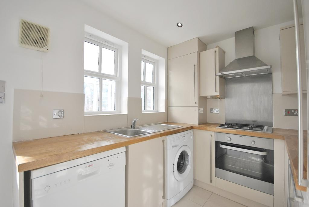 4 Bedrooms Town House for sale in Somertrees Avenue Grove Park SE12
