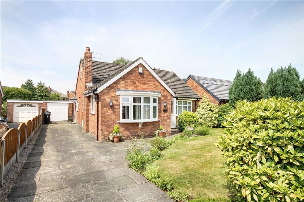 2 Bedrooms Detached Bungalow for sale in Cottrell Road, Hale Barns, Cheshire