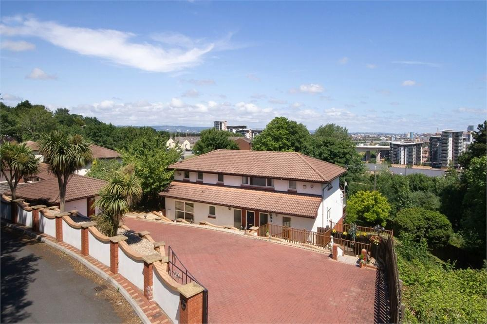 5 Bedrooms Detached House for sale in Old Barry Road, Penarth, Vale of Glamorgan.