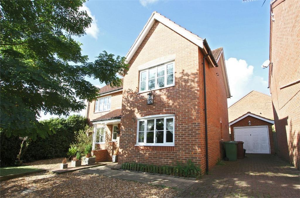 4 Bedrooms Detached House for sale in De Havilland Road, Dereham, Norfolk