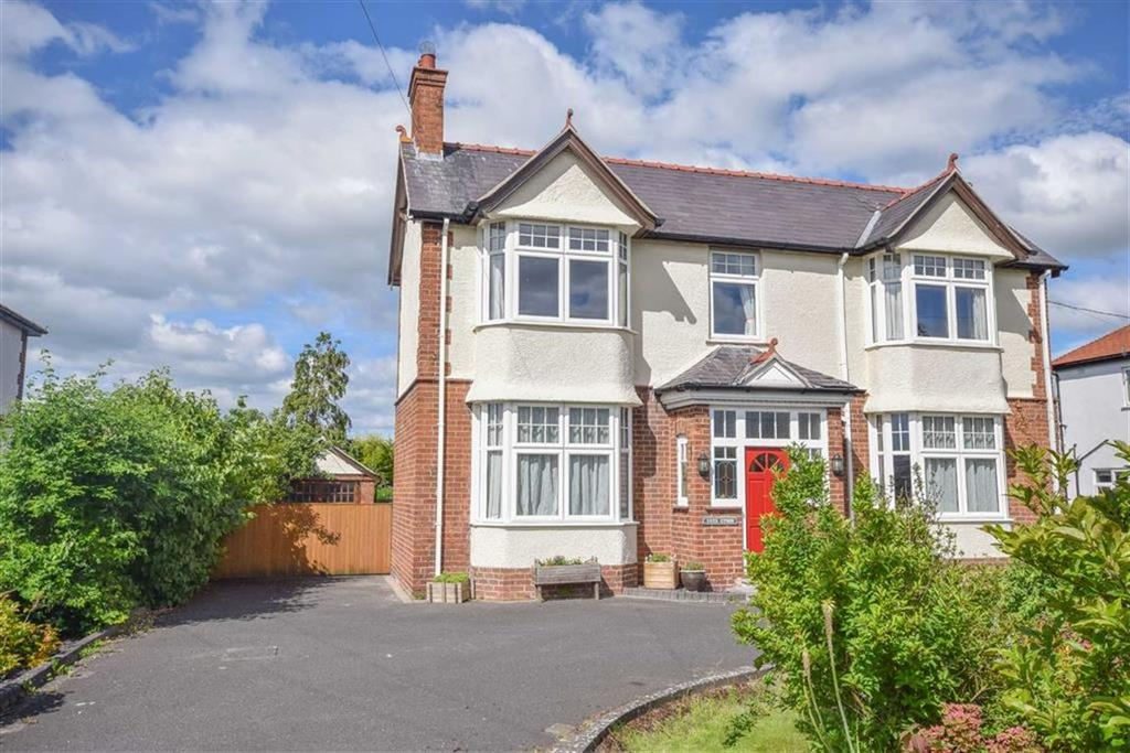 4 Bedrooms Detached House for sale in Ffordd Rhuthun, Dinbych, Dinbych