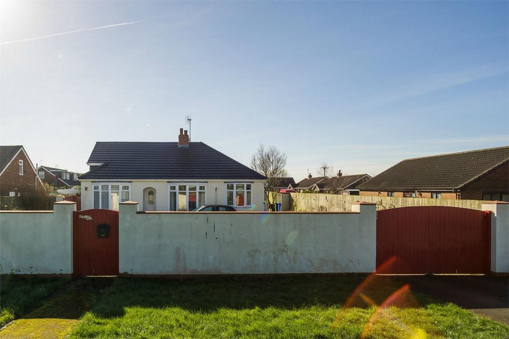 3 Bedrooms Detached Bungalow for sale in Hull Road, Easington, East Riding of Yorkshire