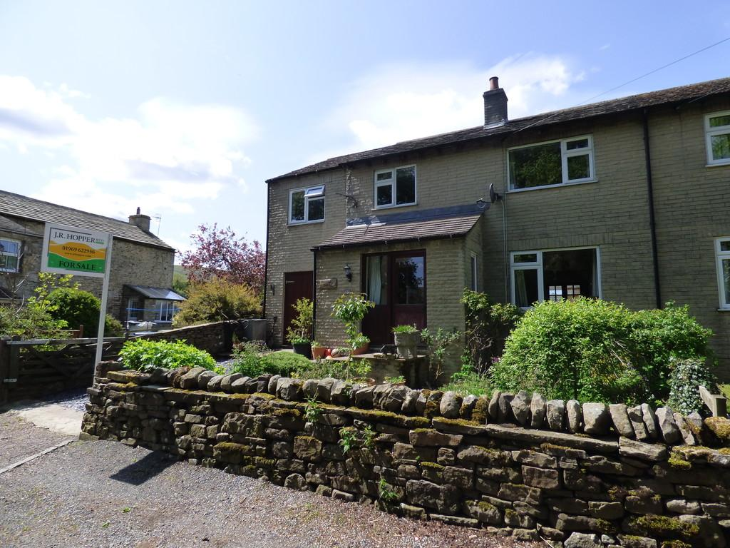 4 Bedrooms Semi Detached House for sale in Partridge Nest, Smithy Garth, Thoralby