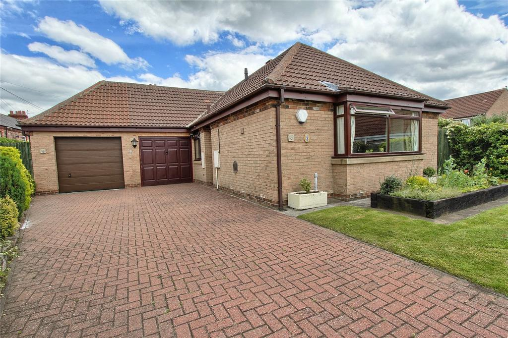 2 Bedrooms Detached Bungalow for sale in Pinder Close, Norton