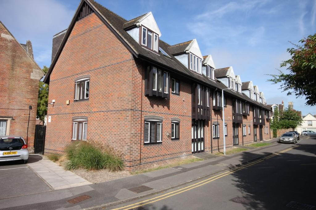2 Bedrooms Flat for sale in ST ANN PLACE, SALISBURY, WILTSHIRE
