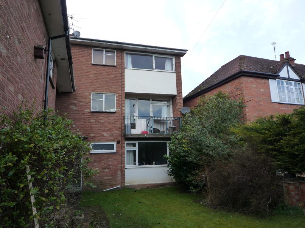 2 Bedrooms Maisonette Flat for sale in Stratford Road, Shipston-On-Stour