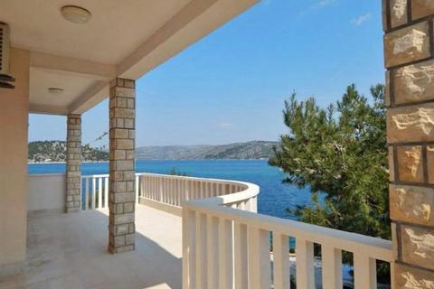 4 bedroom apartment  - Waterfront House, Rogoznica, Dalmatian Coast
