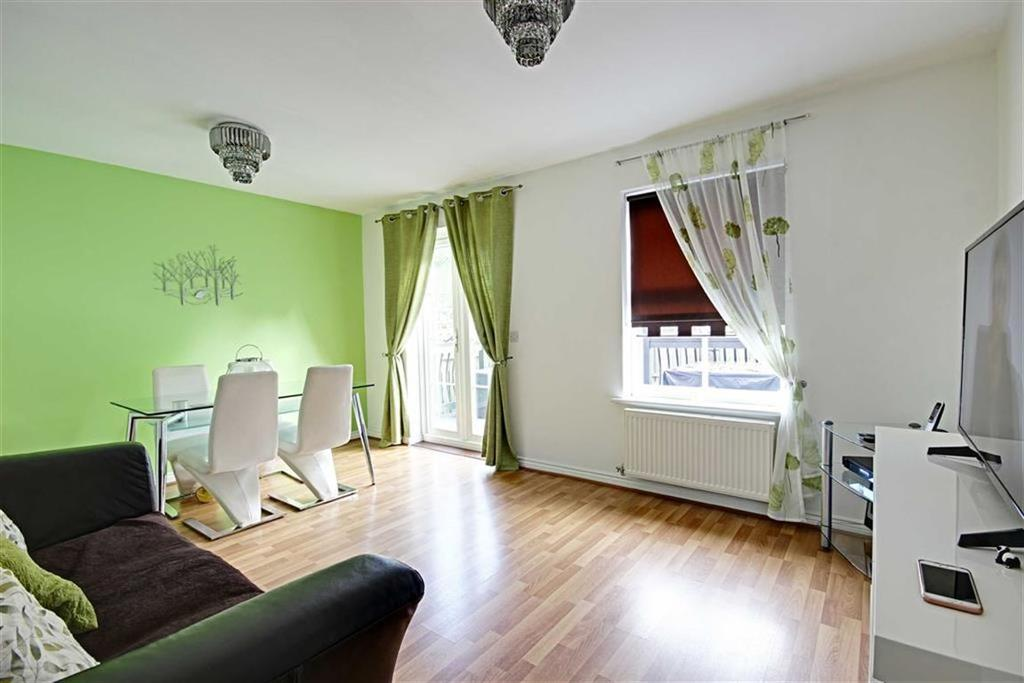 3 Bedrooms Town House for sale in Greenside Drift, South Shields, Tyne And Wear